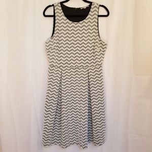 41 Hawthorn Dress Lined Textured Chevron Grey